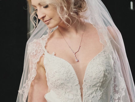 Eröffnungsrabatt für Brautkleider, Abendkleider, Dekoration