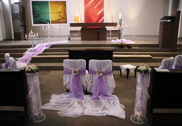 Kirchendekoration-Bielefeld-Lila.Altar-u