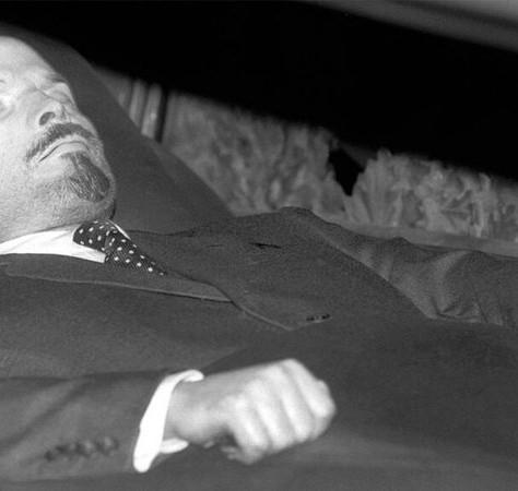 Lenine embalmed for how long?