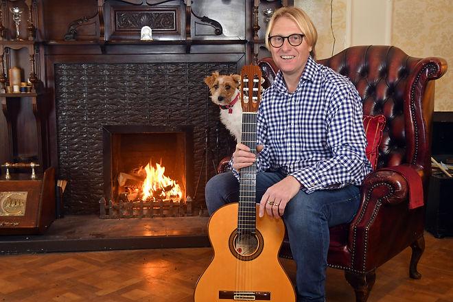 Mark Spragg_Guitarist.jpg