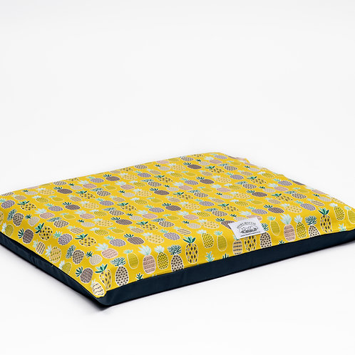 Henry Hottie Bed Cover (Yellow Pineapple)