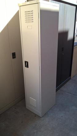 single-door-locker-3-e1526265647891-768x