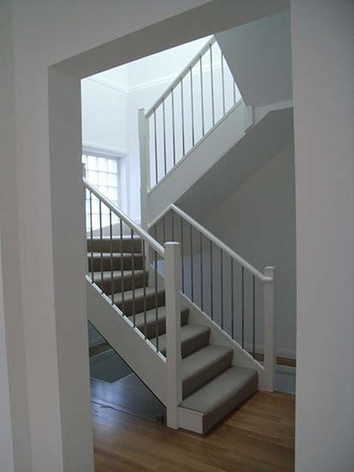 closed_stairs001.jpg