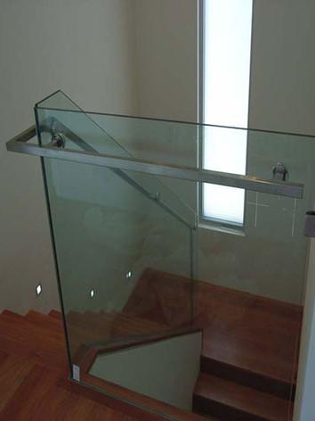 glass_balustrade_004.jpg