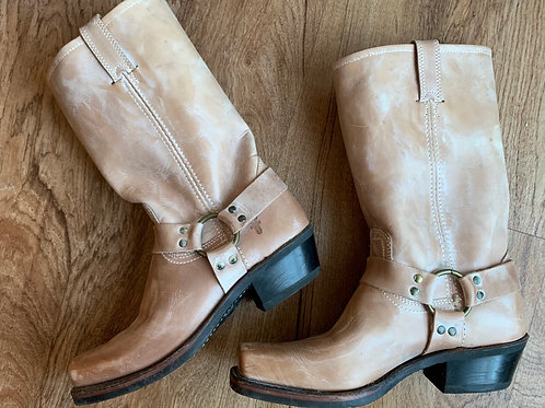 FRYE Ladies Distressed Leather Boots sz 10