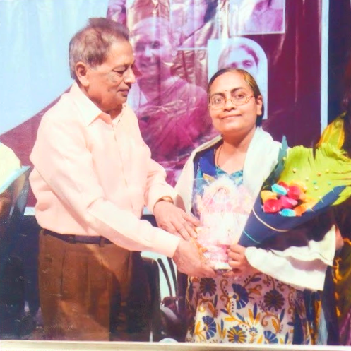 Dr. Kavita being felicitated at  Kolhapur-2015