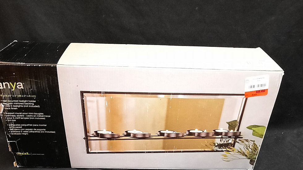 Mirrored wall mount candle holder with tealights