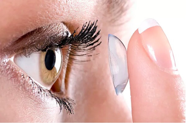 8 top contact lenses myths
