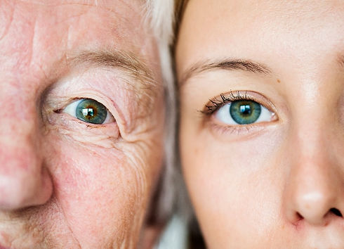 Family with green eyes