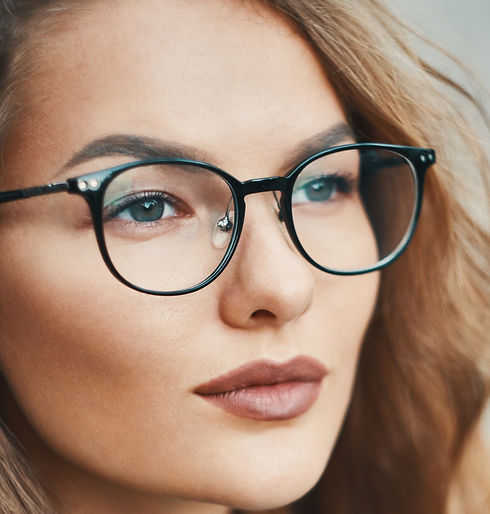 fashionable-eyewear-model-close-up-portr