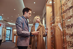 woman-is-choosing-new-frames-for-glasses