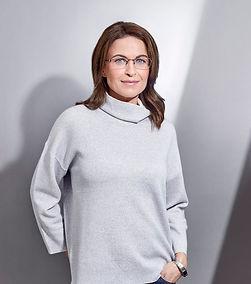 Women wearing Jaeger Glasses