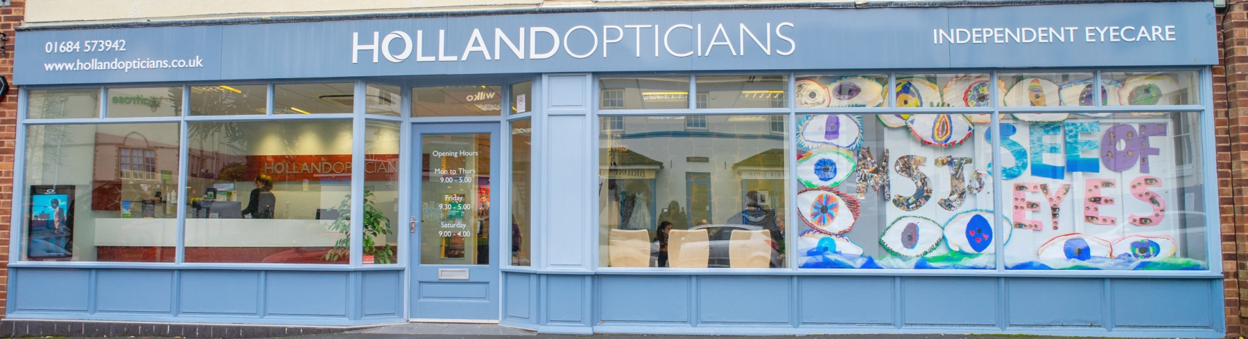 Holland Opticians Outside Practice 1800.