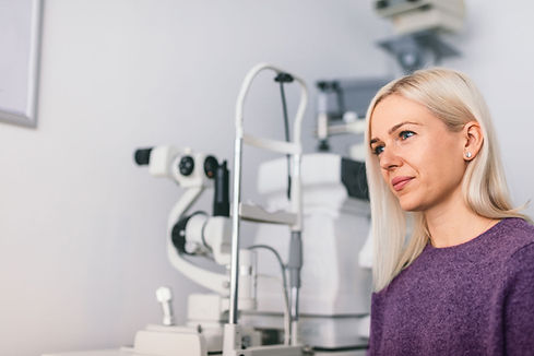 woman-sitting-at-the-opticians-office-F5