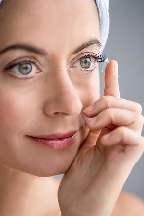 woman-inserting-contact-lenses.jpg