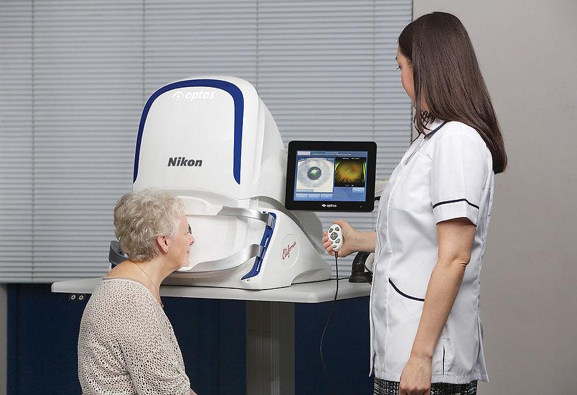 Elder woman having an retinal imaging
