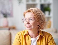 woman wearing bifocal lenses.jpg