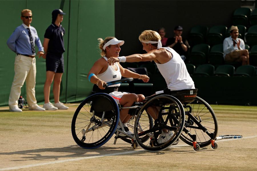 Lucy-Shuker-Wimbledon-Championships-05.j