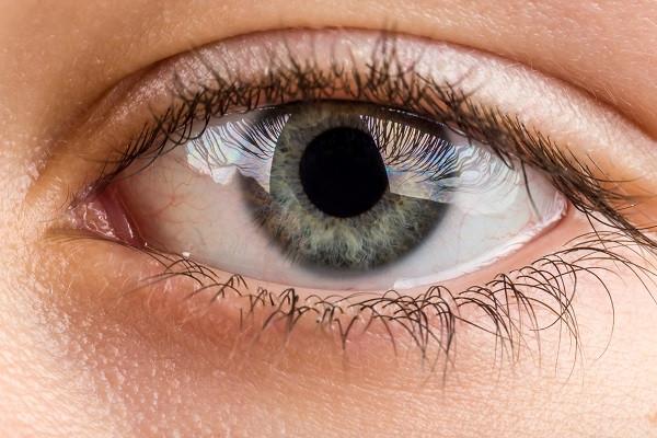 pupils unresponsive to light