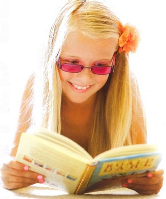 Reading with precision tinted lenses