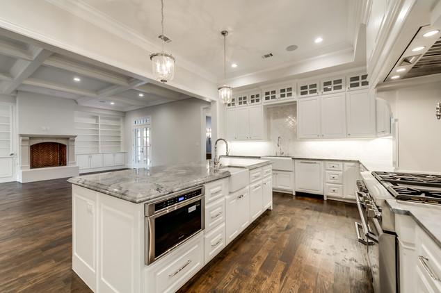 gourmet kitchen-4.jpg