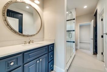 secondary bathroom-jack and jill-2.jpg