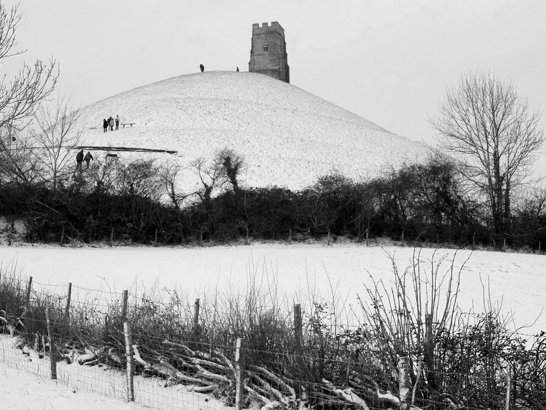Glastonbury Tor snow