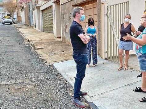 'Não tem mais rua, só pedra' diz morador sobre via no São José