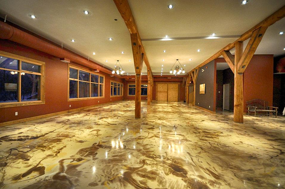Metallic-Epoxy-Floors-in-Basement.jpg