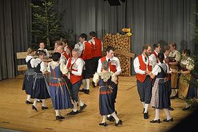 Trachtentanzgruppe Tanzgruppe Trachtengruppe Trachten Menzingen