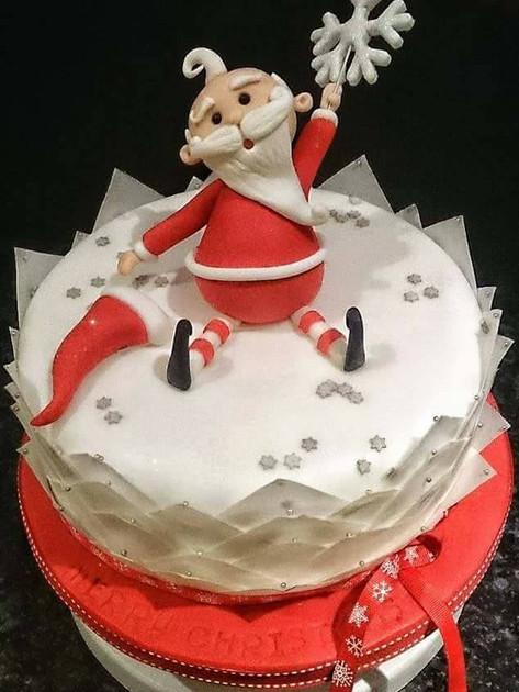 Santa Star Cake