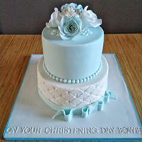 2 Tier Floral & Quilted