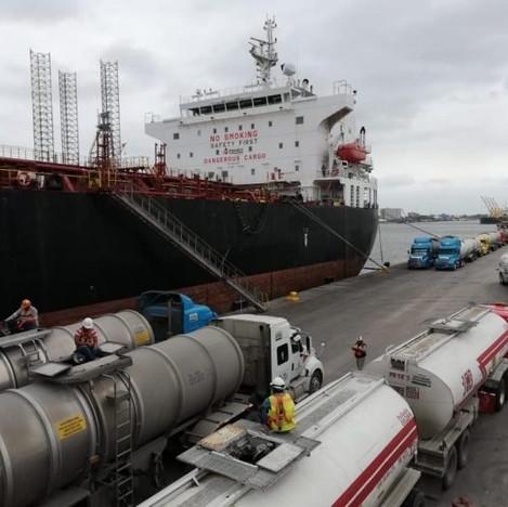 Combustible importado y de excelente calidad