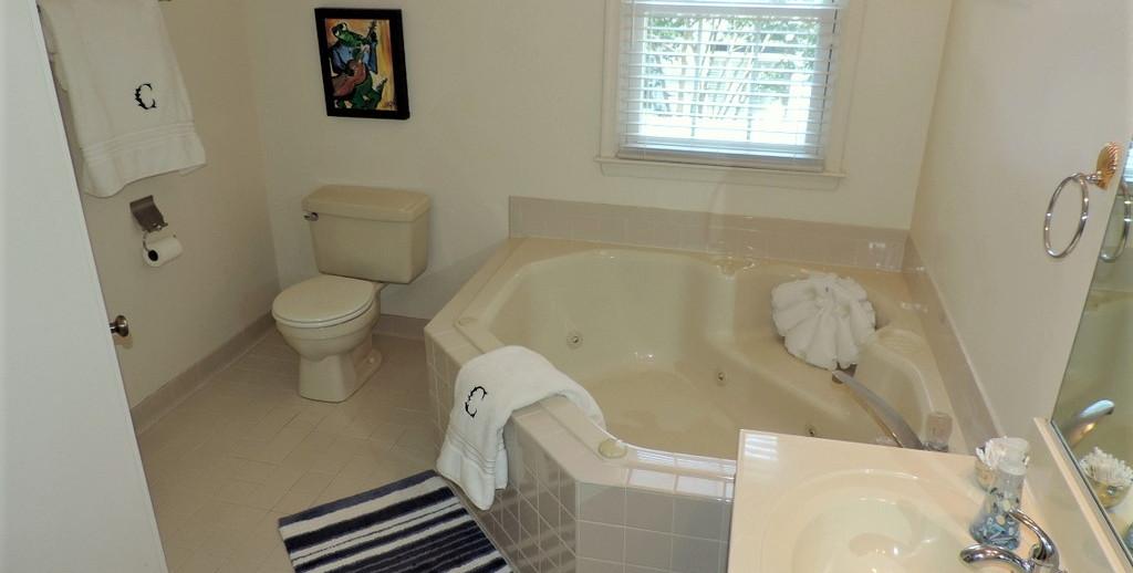 8 Master Bath 1.jpg