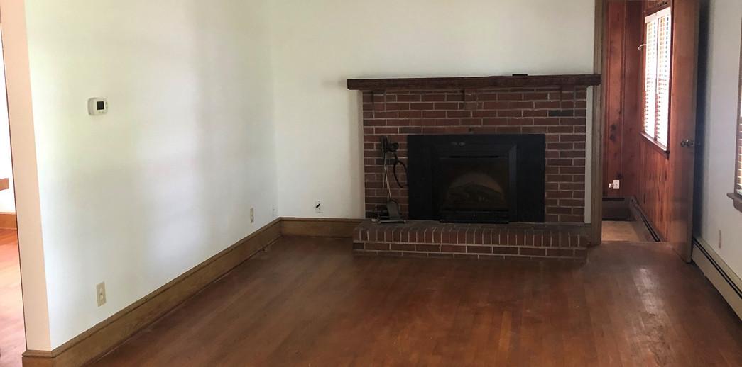 9 Livingroom.jpg
