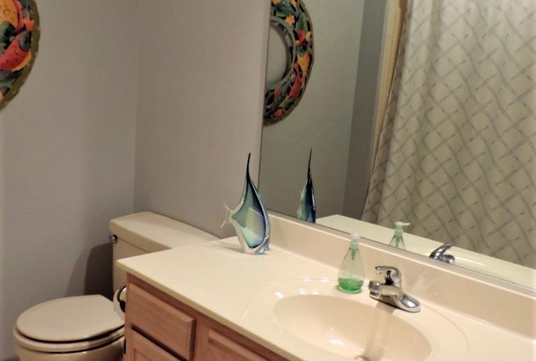 12 Bathroom 2.jpg