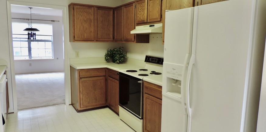 5 Kitchen.jpeg