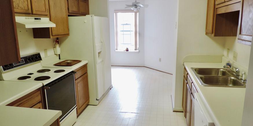 4 kitchen.jpeg