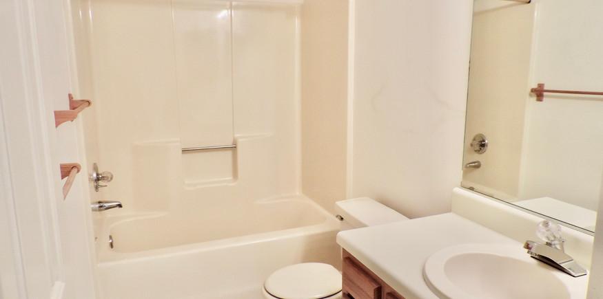 7 Bathroom 1.jpeg