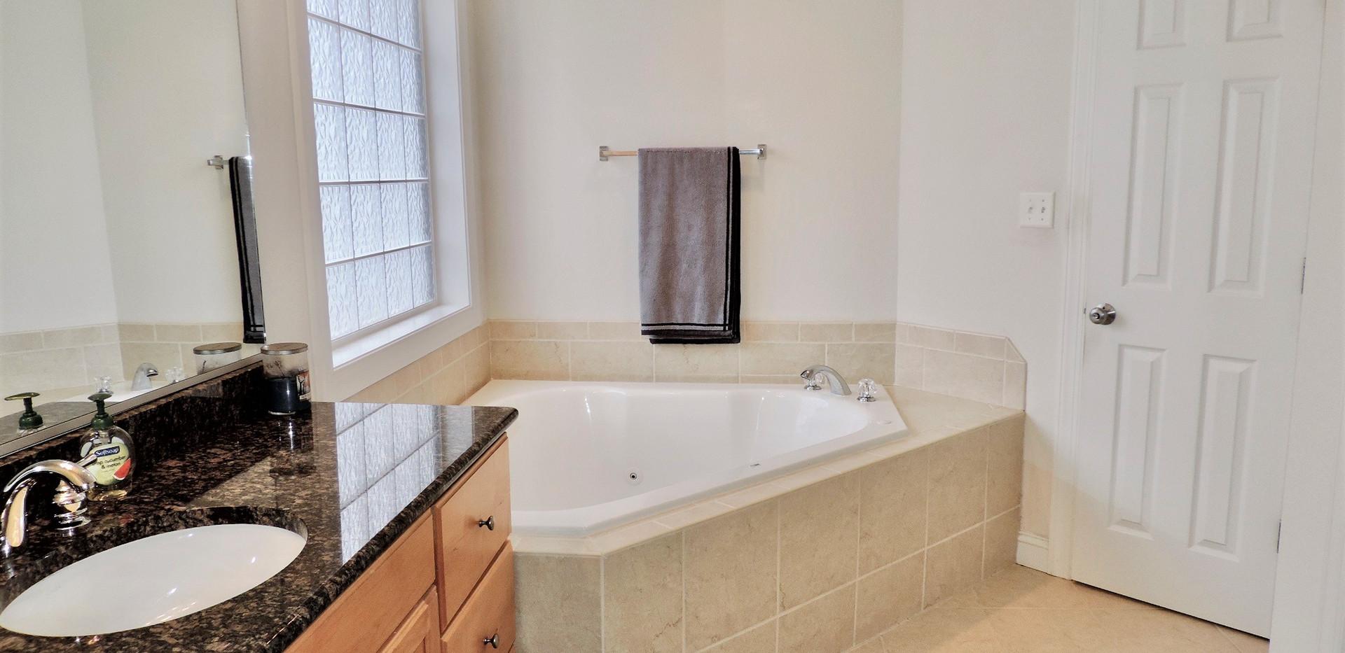 7 Master Bath 1.jpeg