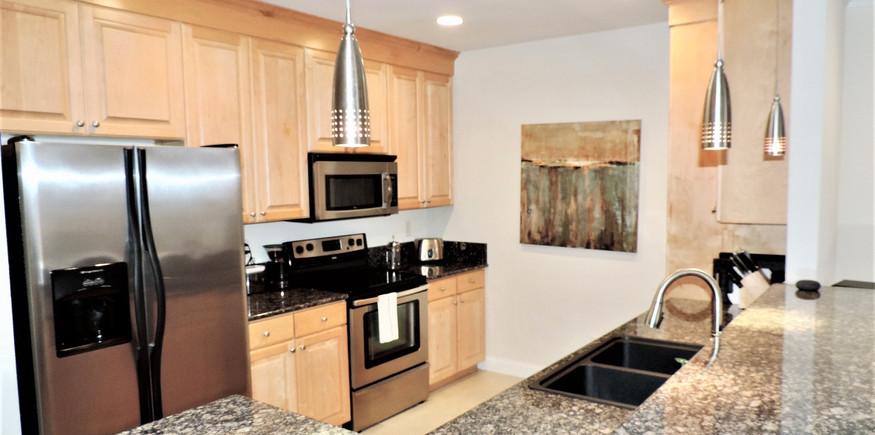 3 Kitchen 2.jpeg