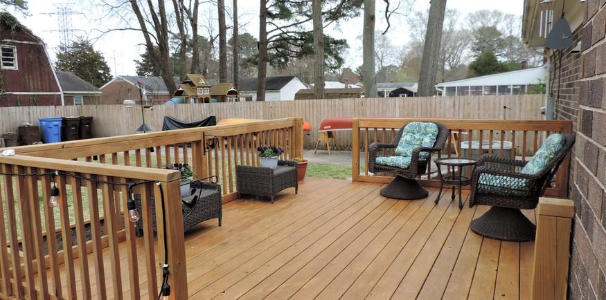 10 Backyard Deck.jpg
