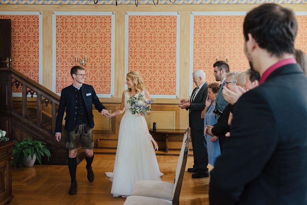standesamtlich-heiraten-rathaus-fuerstenfeldbruck-hochzeitsfotografin-marie-hornbergs