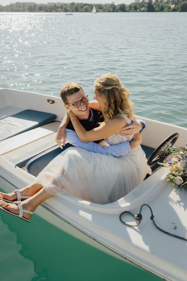 Brautpaarbilder auf Bootstour am Wörthsee