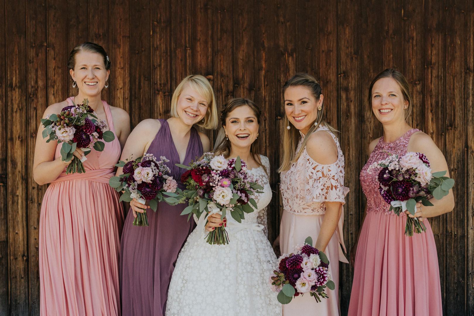 Gruppenbild Brautjungfern am Schliersee