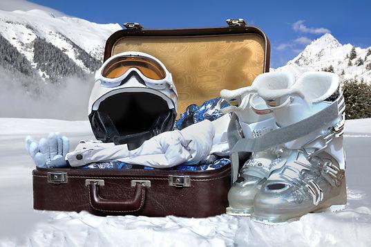 SkiPackingList_EssentialGear.jpeg