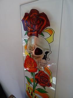 Skull & Roses sur verre 4