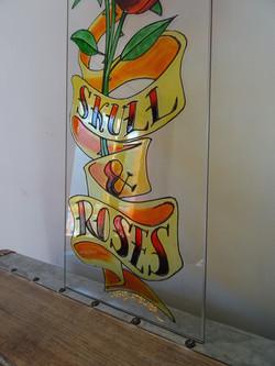 Skull & Roses sur verre 3
