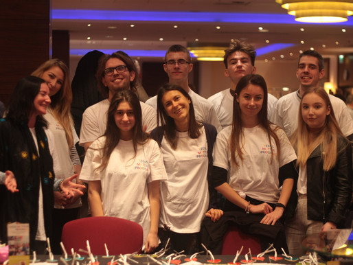 Teens Matter at IWG Holiday Bazaar
