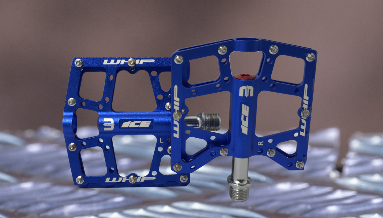 Whip Bleu-01